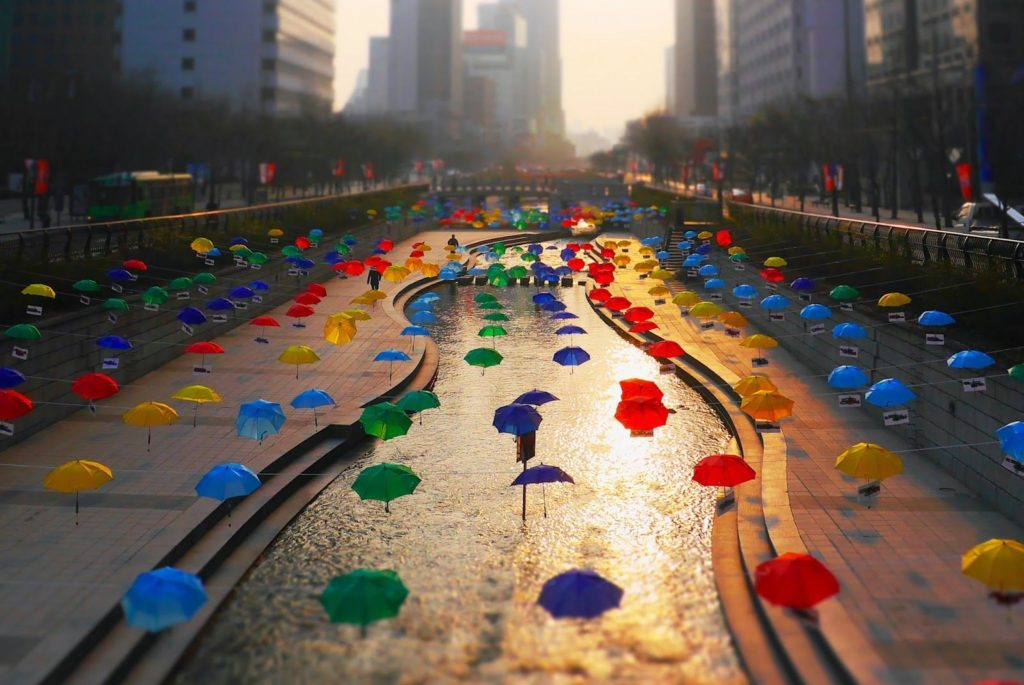 Cheonggyecheon Stream should certainly be on your one week itinerary for Korea