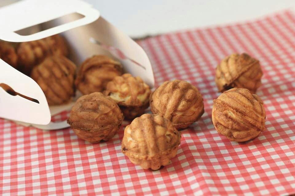 One of Korea's best winter foods - walnut bread