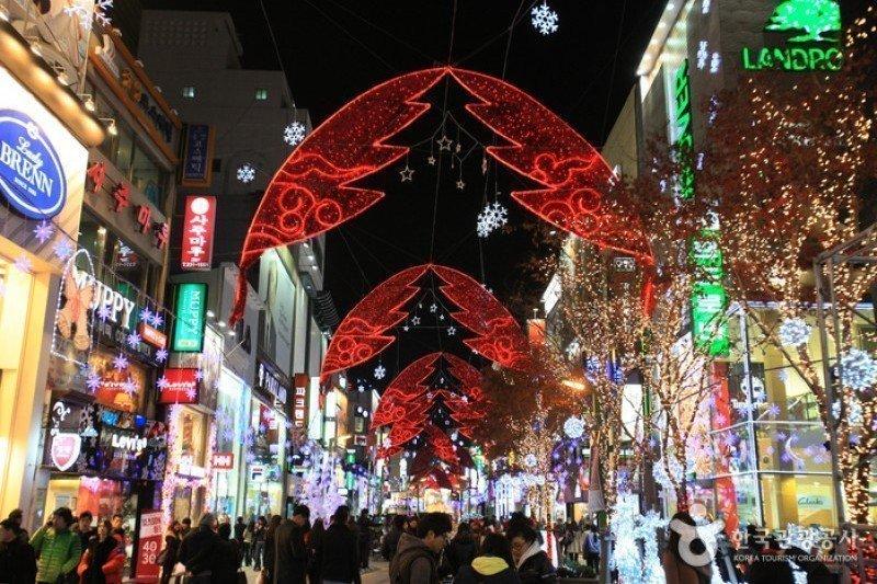 Busan Christmas Tree Festival, one of the fun winter festivals in Korea.