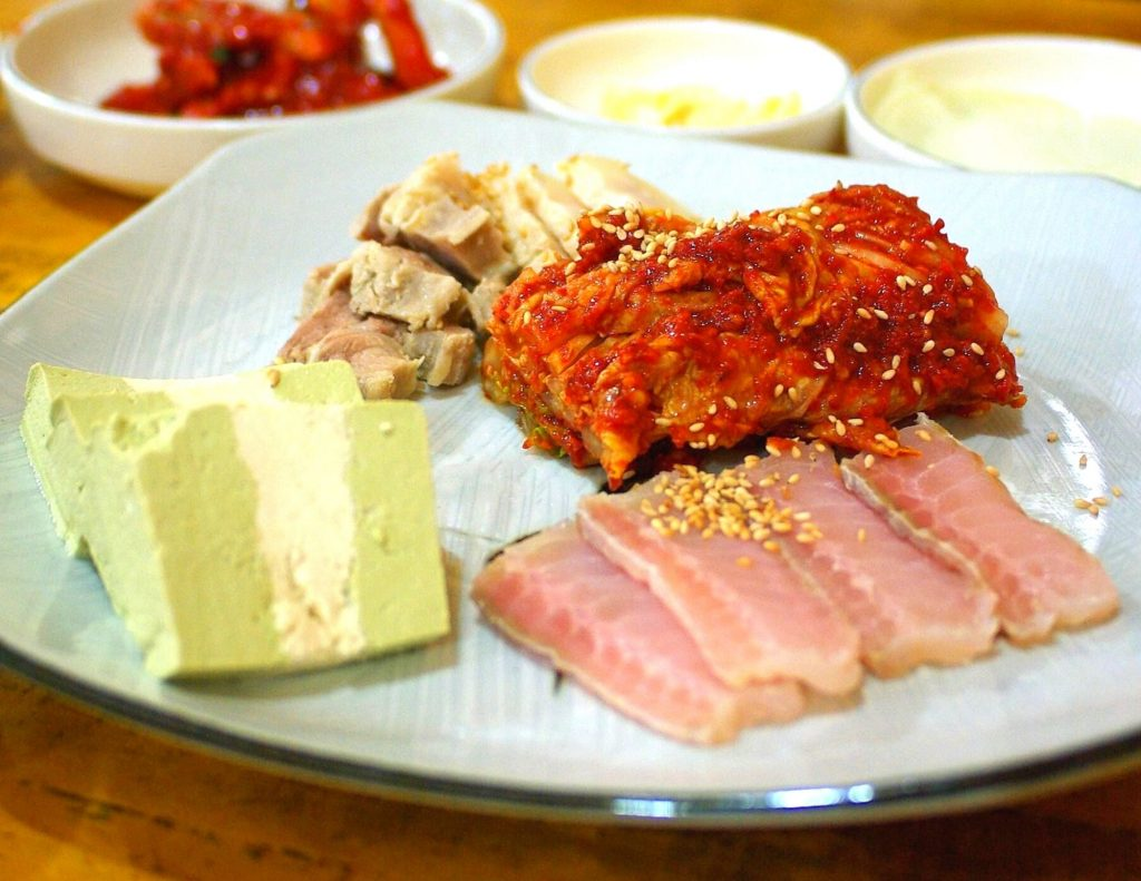 Hongeo-hoe - the stinkiest of all strange Korean foods!